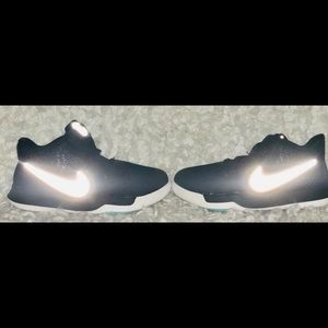 Nike Shoes - Kyrie Irving by Nike